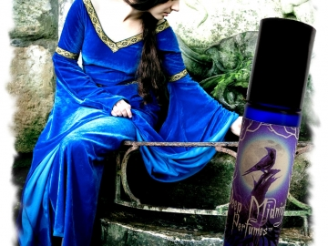Gwenhwyfar Perfume Oil - Lilies, Dragon's Blood, Musks, Gothic Perfume - Medieval Perfume - Legends of the Grail Series