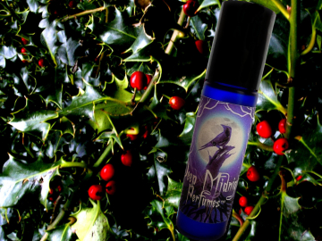 HOLLY and IVY Perfume Oil - Festive Hollyberries, Earthy Greens, Winter Forest - Victorian Perfume - Yule Perfume - Christmas Perfume